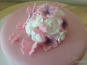 Motivtorte mit Rosen und Schmetterlingen (3)