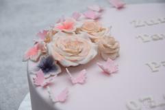 Tauftorte mit Rosen und Schmetterlingen (2)
