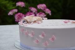 Tauftorte mit Rosen und Schmetterlingen (7)