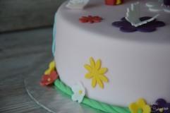 Motivtorte mit Blumen und Schmetterlingen (3)