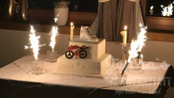 Hochzeitstorte mit Fondantfiguren